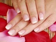 Запечатывание ногтей воском: забудь о ломких и безжизненных ногтях!