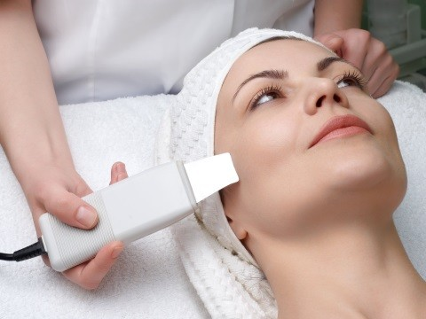Ультразвуковая чистка лица и тела: и ваша кожа снова дышит!